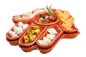 Hintergrundbilder Käse Nussfrüchte Tomate Weißer hintergrund Lebensmittel