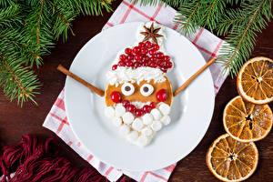 Fotos Neujahr Moosbeeren Teller Design Weihnachtsmann Marshmallow Lebensmittel