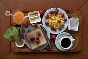 Bilder Kaffee Saft Brot Erdbeeren Müsli Messer Frühstück Tasse Trinkglas Teller Essgabel