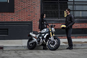 Picture Ducati Motorcyclist Two 2018 Scrambler 1100 Special Motorcycles Girls