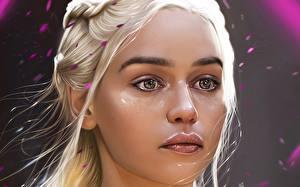 Fotos Emilia Clarke Daenerys Targaryen Game of Thrones Gesicht Blick Prominente Mädchens