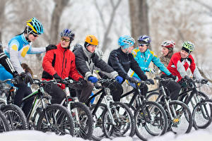 Fotos Mann Fahrräder Helm sportliches