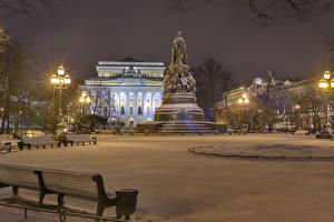 Bilder Russland Sankt Petersburg Winter Gebäude Denkmal Schnee Bank (Möbel) Straßenlaterne Nacht Ostrovskogo Square