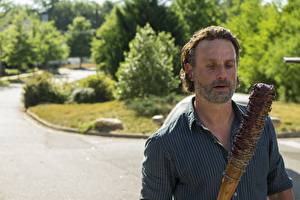 Pictures The Walking Dead TV Andrew Lincoln Baseball bat Barbed wire Season 7, Rick Grimes Celebrities