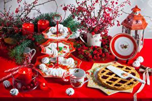 Hintergrundbilder Neujahr Beere Obstkuchen Süßigkeiten Kerzen Teller Tasse Laterne das Essen