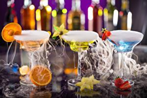 Fotos Cocktail Alkoholische Getränke Obst Weinglas Drei 3 Rauch