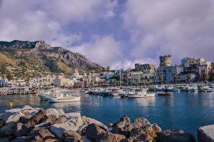 Fotos Italien Gebäude Stein Schiffsanleger Motorboot Bucht Forio Ischia Städte
