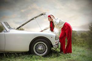 Bilder Seitlich Mädchens Autos