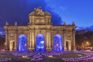 Hintergrundbilder Spanien Madrid Skulpturen Abend Das Tor Puerta de Alcala