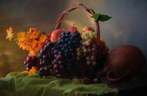 Fotos Stillleben Weintraube Ringelblumen Obst Weidenkorb Kanne das Essen