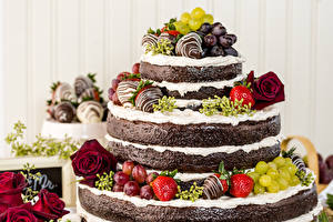 Fotos Süßware Torte Obst Rosen Erdbeeren Weintraube Design Lebensmittel