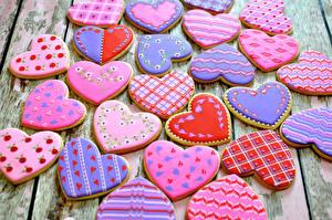 Sfondi desktop Festa di san Valentino Prodotto da forno Biscotti Tavole Disegno Cuore Cibo