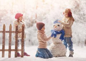 Bilder Winter Junge Kleine Mädchen Drei 3 Schneemänner Schal Schnee Mütze Kinder