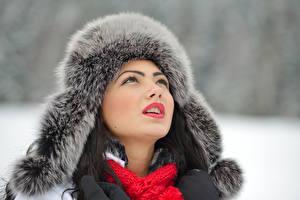 Fonds d'écran Hiver Visage Chapeau d'hiver Filles
