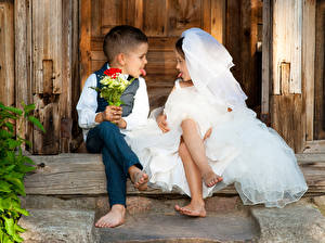Wallpapers Bouquets Two Boys Little girls Brides Groom Tongue child