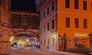 Fotos Deutschland Dresden Haus Stadtstraße Straßenlaterne Zaun Nacht Städte
