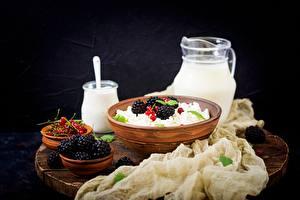 Hintergrundbilder Topfen Weißkäse Quark Hüttenkäse Brombeeren Frühstück