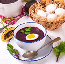 Fotos Suppe Borschtsch Teller Ei Weidenkorb Löffel Lebensmittel