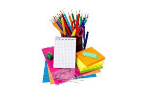 Bilder Schreibwaren Notizblock Bleistift Weißer hintergrund