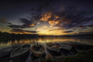 Pictures Sunrises and sunsets Rivers Sky Boats Berth Clouds Nature