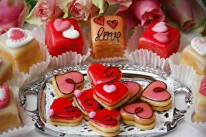 Sfondi desktop Festa di san Valentino Biscotti Prodotto da forno Disegno Cuore Cibo