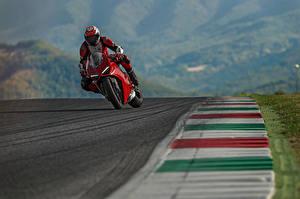Bilder Ducati Motorradfahrer Bewegung 2018 Panigale V4 S