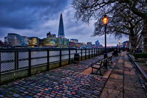 Sfondi desktop Inghilterra La casa Serata Londra Recinzione Lampioni Panchina Avenue Città