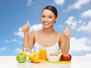 Fotos Finger Fruchtsaft Obst Frühstück Lächeln Mädchens