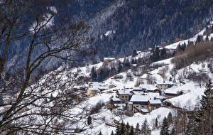 Bilder Italien Haus Winter Wälder Alpen Schnee Ast Alta Badia Städte