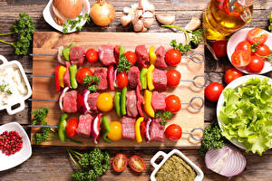 Papel de Parede Desktop Produtos de carne Chachlik Hortaliça Tomate Alho Tábua de cortar Alimentos