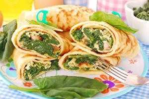 Fotos Eierkuchen Gemüse Teller Lebensmittel
