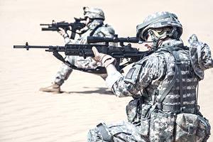 Hintergrundbilder Soldaten Sturmgewehr