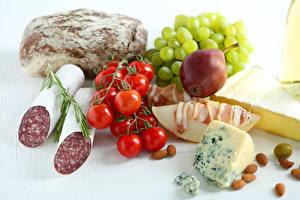 Bilder Stillleben Wurst Brot Käse Tomate Birnen Weintraube Nussfrüchte Lebensmittel
