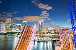 Hintergrundbilder Vereinigte Staaten Haus Flusse Brücken Florida Miami Nacht