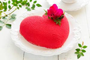 Fotos Valentinstag Süßigkeiten Torte Design Herz Rot Lebensmittel