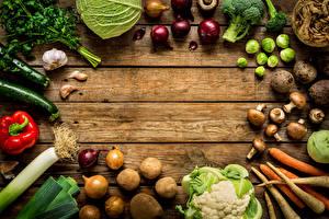 Hintergrundbilder Gemüse Kartoffel Paprika Zwiebel Pilze Knoblauch Mohrrübe Bretter das Essen