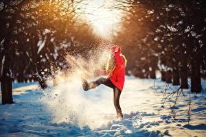 Fotos Winter Schnee Kleine Mädchen Kinder