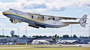 Fotos Flugzeuge Transportflugzeuge Start Luftfahrt Russisches An-225 Mriya Luftfahrt