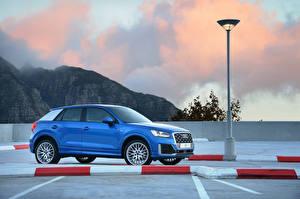 Fotos Audi Blau Seitlich 2017 Q2 TFSI S line auto