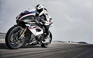 Hintergrundbilder BMW Motorradfahrer Bewegung 2017 HP4 Motorrad