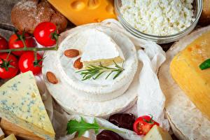 Fotos Käse Tomate Nussfrüchte das Essen