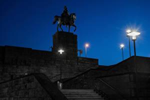 Fotos Deutschland Köln Denkmal Nacht Stiege Straßenlaterne Kaiser Wilhelm I