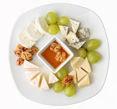 Hintergrundbilder Weintraube Käse Schalenobst Honig Weißer hintergrund Teller