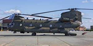 Bilder Hubschrauber Seitlich Boeing-Vertol CH-47 HC.4 Chinook ZA680-2