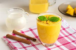 Bilder Fruchtsaft Zimt Milch Trinkglas Lebensmittel