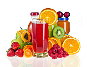 Pictures Juice Fruit Strawberry Raspberry Citrus Chinese gooseberry White background Highball glass Jar Food