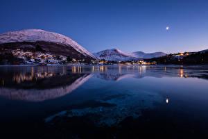 Bilder Norwegen Haus Gebirge See Winter Nacht Straumen Städte
