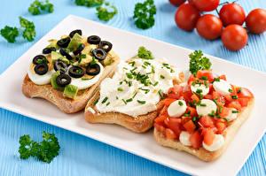 Hintergrundbilder Sandwich Brot Gemüse Farbigen hintergrund Bretter Drei 3 Ei