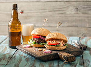Pictures Sandwich Hamburger Beer Cutting board Bottle Food