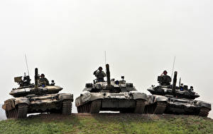 Wallpapers Tank Soldiers Three 3 Russian  military
